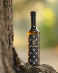 ecochic bottle for vitùlia organic extra virgin olive oil. cold pressed #vituliaevoo #vituliaextraverginebiologico #vituliagiftideas # vitulialuxuryfood