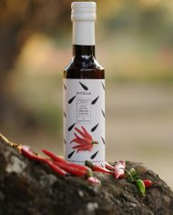 Flavoured extra virgin olive oil with hot peppers